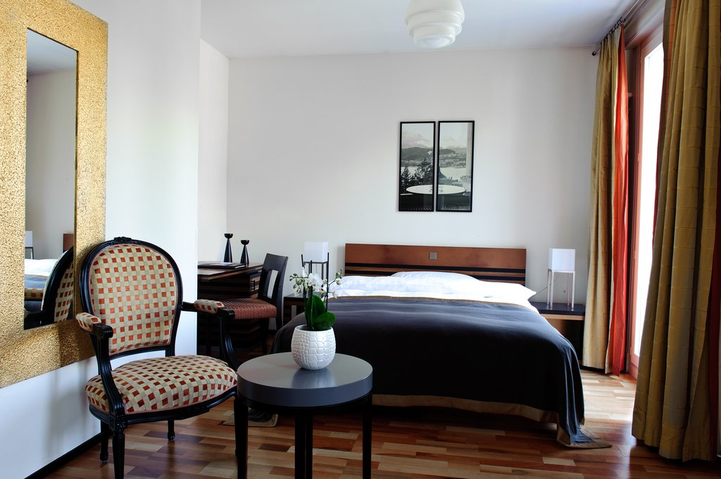 Double Rooms 18 25sqm In Art Deco Style Facing The Quiet Hill Side. Rooms  Have TV, Radio, Direct Phone, Minibar, Free Wifi And Most Bathrooms Have  Natural ... Great Pictures
